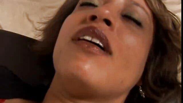 XXX sem registo  Parte 2: quero vídeo de pornô ao vivo o marido engole uma crimpeye e desfruta de segundos Sujos