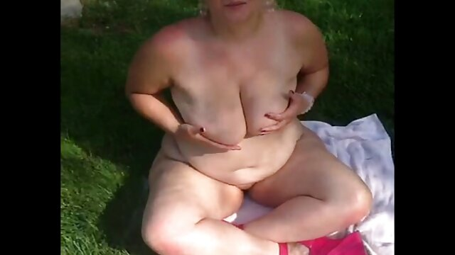 A melhor pornografia não tem registo.  Engatar uma dona de xvídeos pornográfico ao vivo casa Boazona no parque